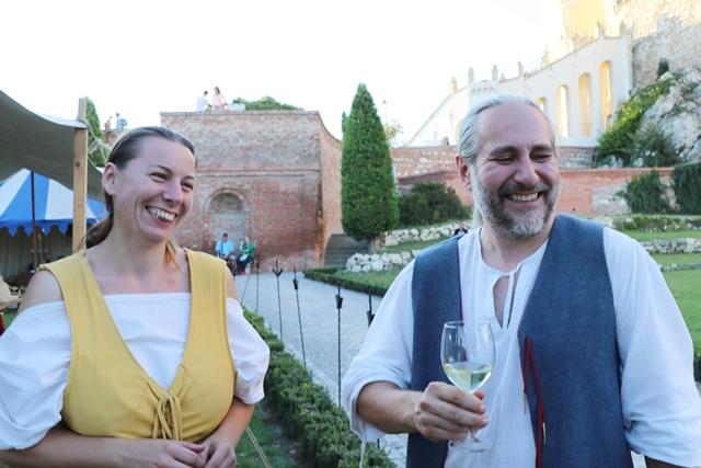 ミクロフでワインの祭典「ぶどう収穫祭」参加! 発酵途中のワイン「ブルチャーク」のお味は?
