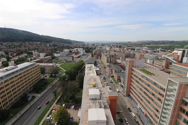 バチャの摩天楼「21」(ズリーン21)から見下ろす景色