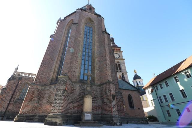 フラデツ・クラーロヴェーを代表するの聖なる御心教会