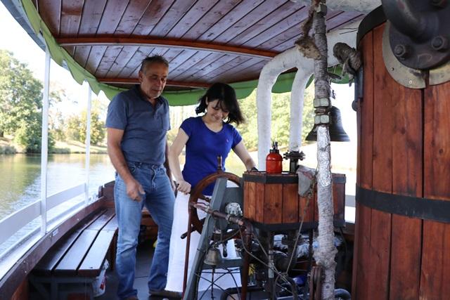 ラベ川観光クルーズ 外輪汽船で川下り