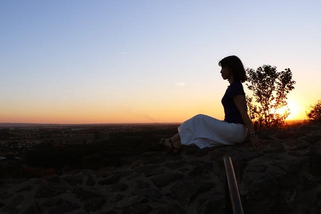 チェコ・パルドゥビツェの絶景夕焼けスポット「クニェティツカホラ・キャッスル」