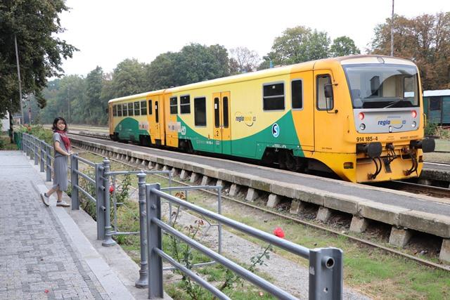 チェコ クトナー・ホラからプラハへ電車で移動