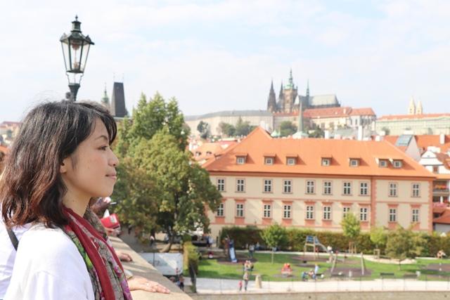 チェコ旅行の最後にプラハ半日観光! ムハ美術館や旧市街広場の見どころとカレル橋をまわる