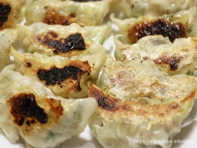 鉄フライパン「ダクタイルパン」で餃子を焼く