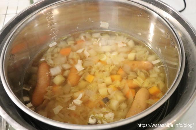 電鍋でスープ作り