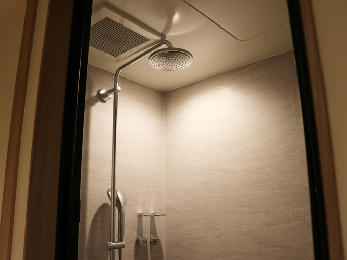 バスルーム(シャワー)