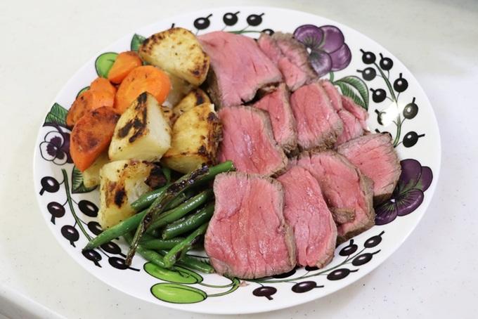 ローストビーフと焼野菜