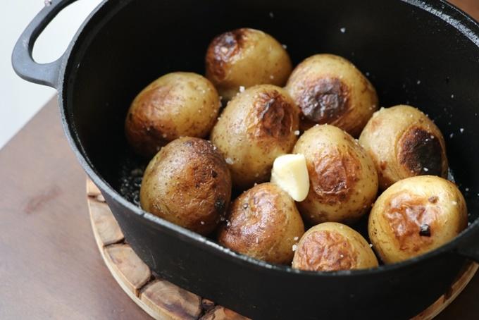 ダクタイル ダッチオーブンでベイクドポテト
