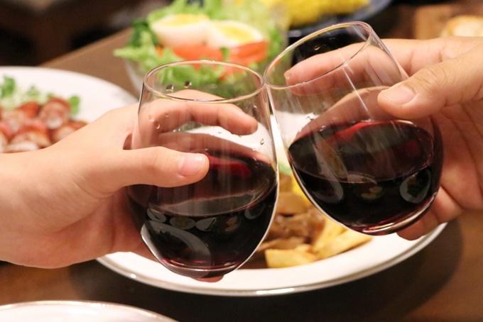 赤ワインのグラス